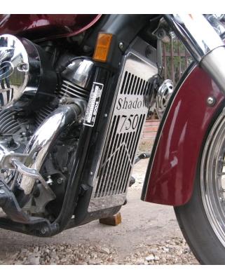 Honda VT 750 DC Black Widow kryt chladiče